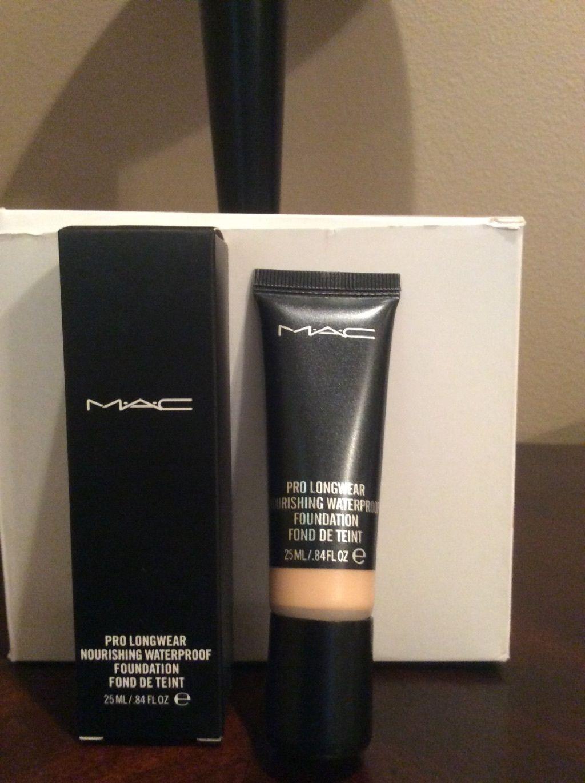 MAC Pro Longwear Nourishing Waterproof Foundation NC30
