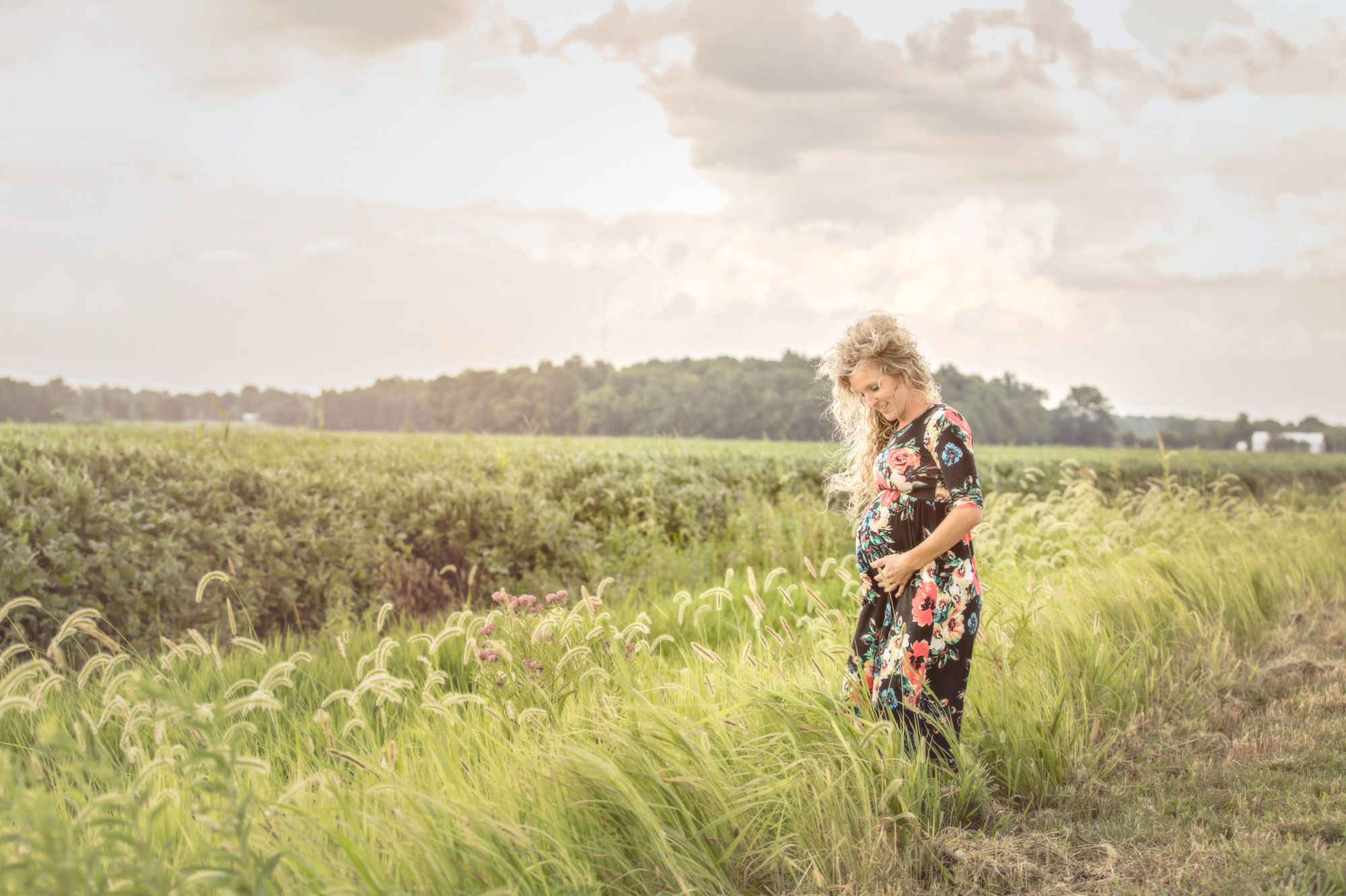 Maternity Session Cloudy Wild Field